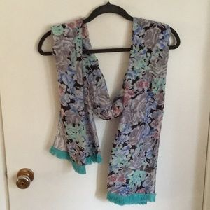 Accessories - Floral scarf with tassels (NWOT)
